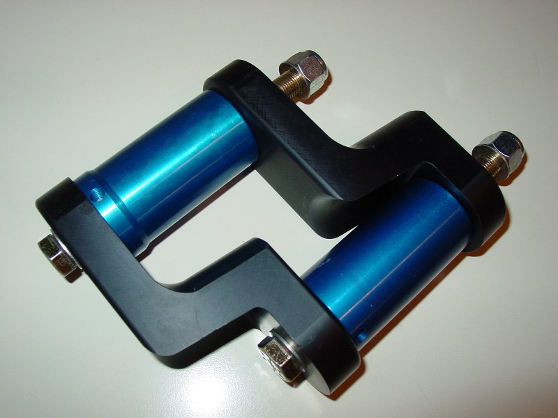Detroit speed and engineering billet offset shackles with global west