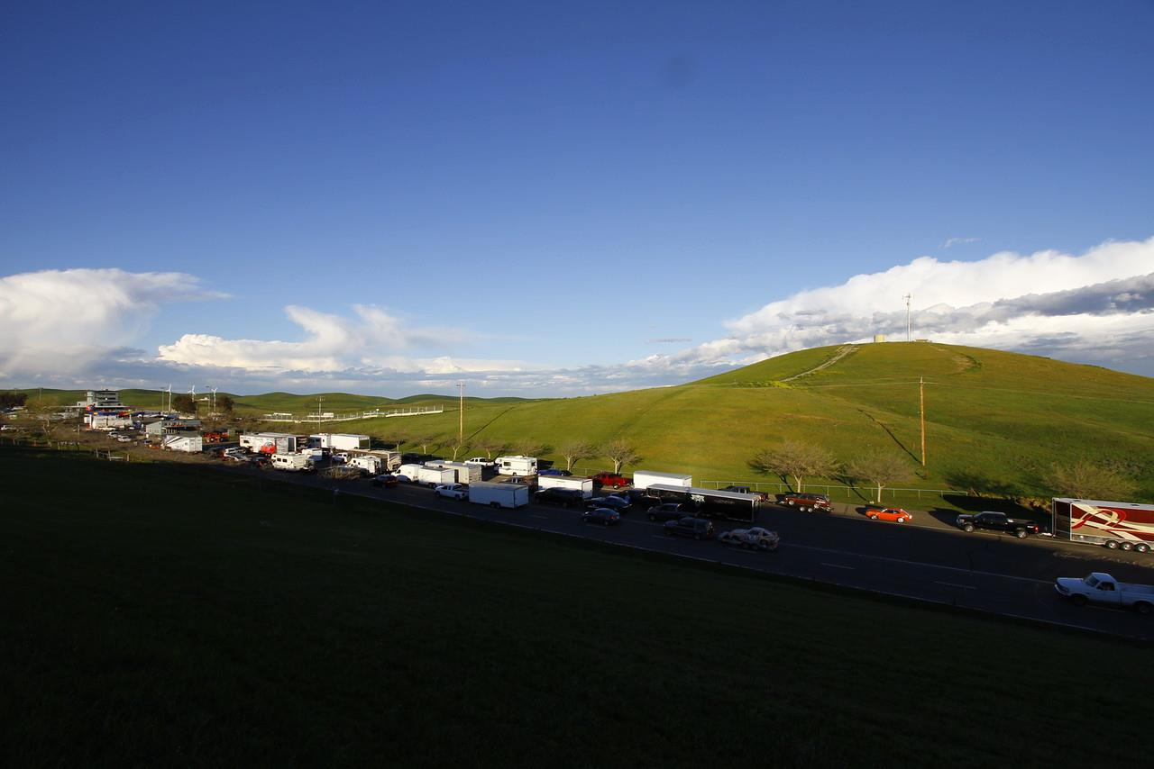 ousci2015_thunderhill_trailers_in_line