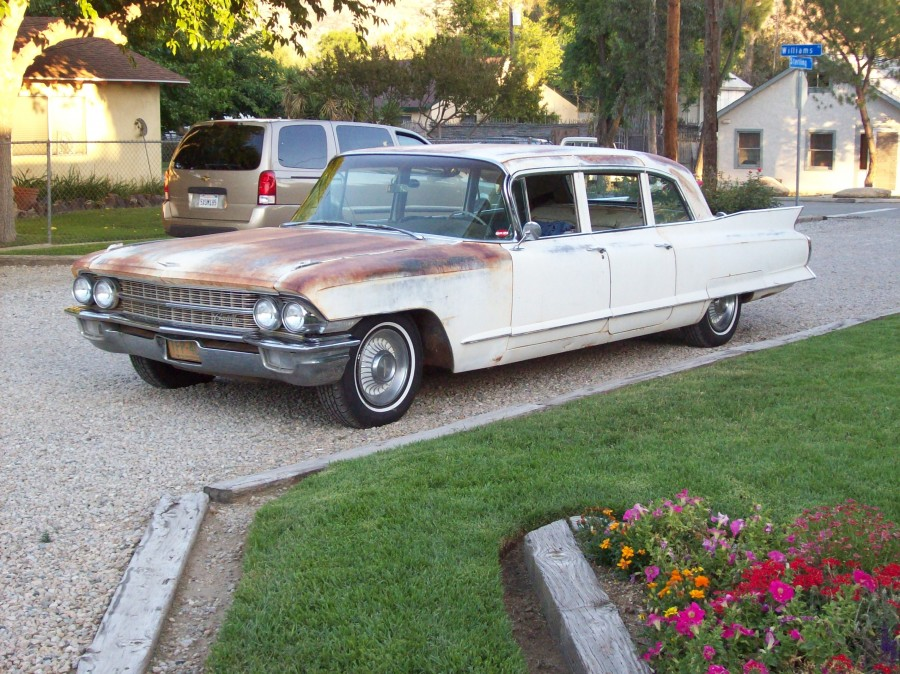 Here's the Caddy, in all her patina glory.